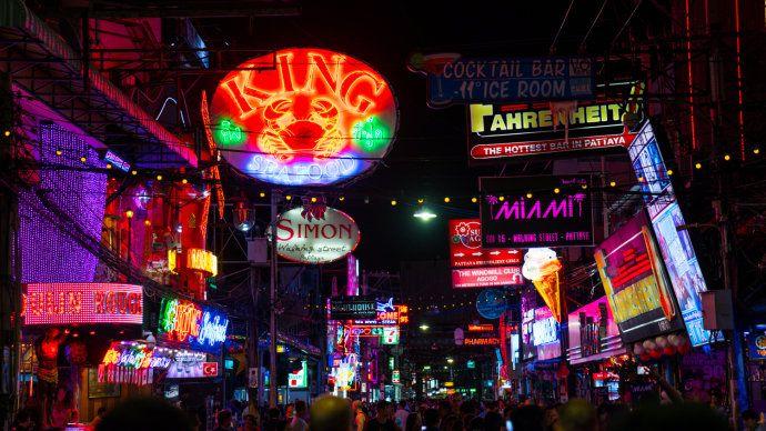 Pattaya pedestrian street_04