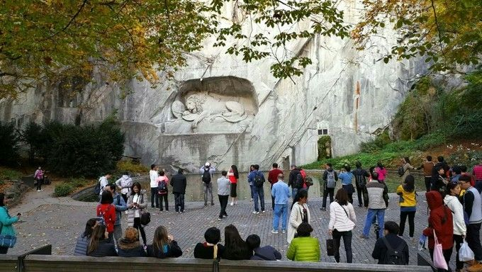 Dying Lion of Lucerne Monument_01