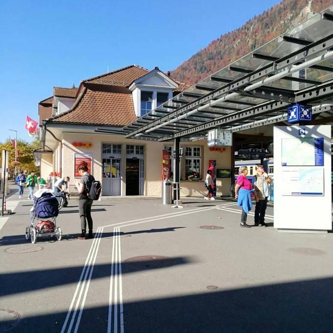 Interlaken railway station_01