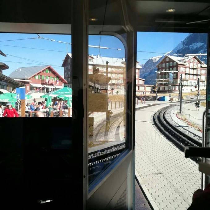 Kleine Scheidegg railway station_01
