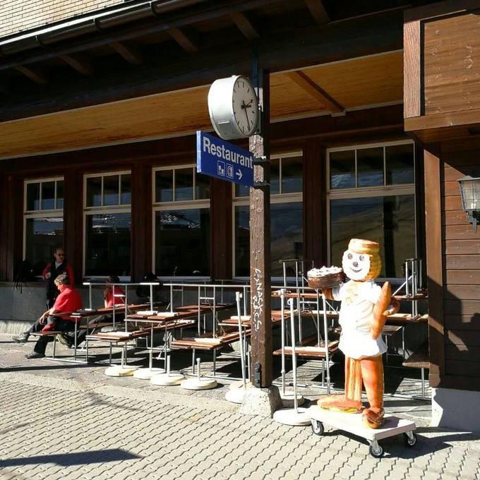 Kleine Scheidegg railway station_02