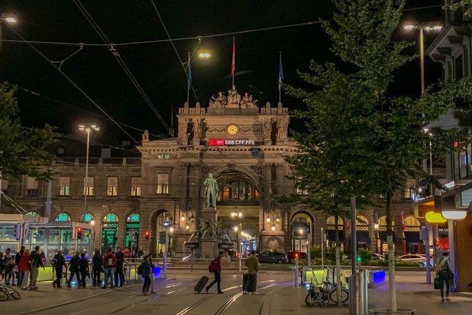 Zurich_HB_Main_Station_02