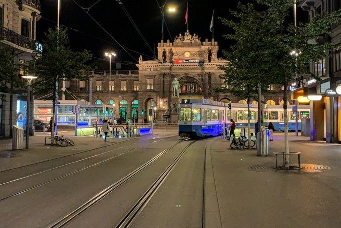 Zurich_HB_Main_Station_03